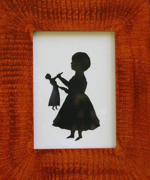 Girl-doll-left-scheren-500